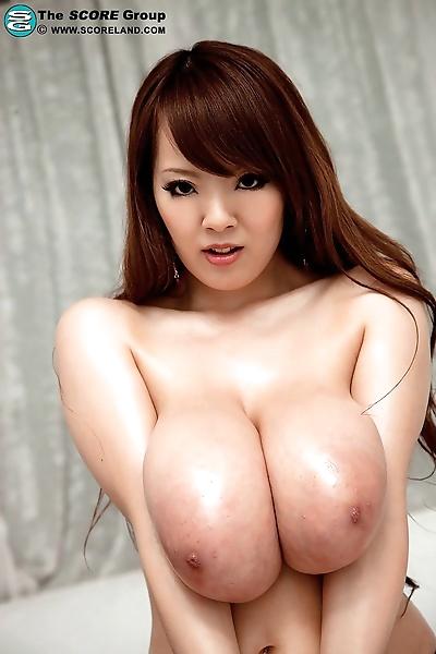 größer chested japanese..