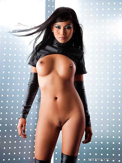 Glamour Asian pornstar Priva..