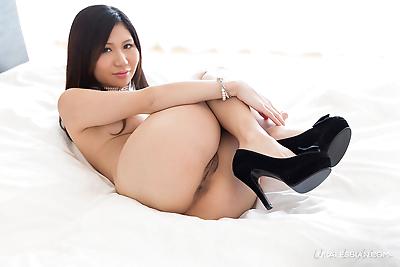Japanese lesbians hump each..