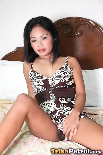 Sweet Asian babe Josey loves..