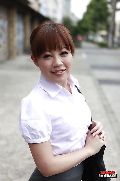 सुंदर जापानी महिला ऐ