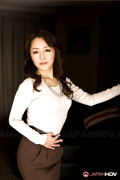 Asian MILF Nao Kato gets..
