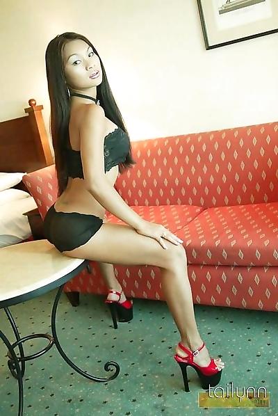 Smokin hot thai model..