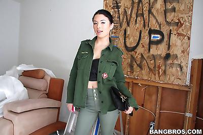 Sexy amateur asian brunette..