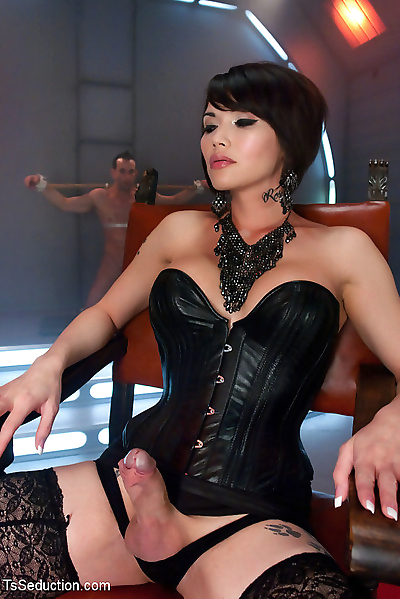 Eva lin commands submission..