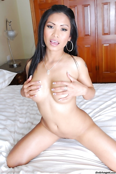 Hottest Asian doll ever..