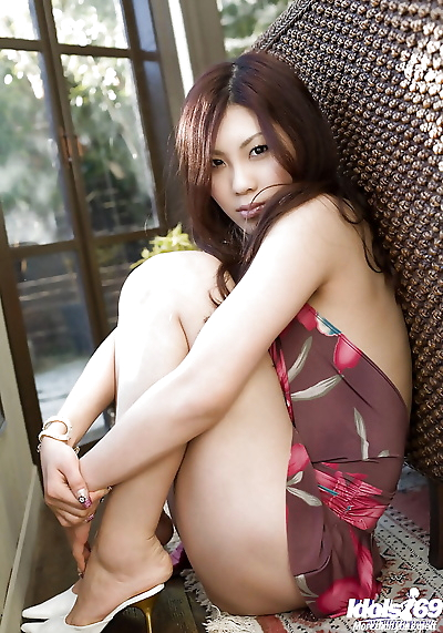 Sweet asian babe Shinohara..