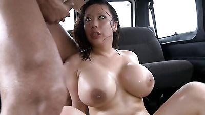 Asian brunette Juan-Z dose a..