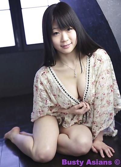 बड़े स्तन जापानी मॉडल Miduki माँ पहने कामुक , हिस्सा 4426