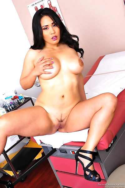 Chubby hot Asian Jessica Bangkok undressing for her annual medical checkup
